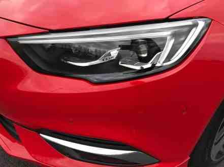Opel Insignia Grand Sport 2.0 DIT 4x4 Scheinwerfer