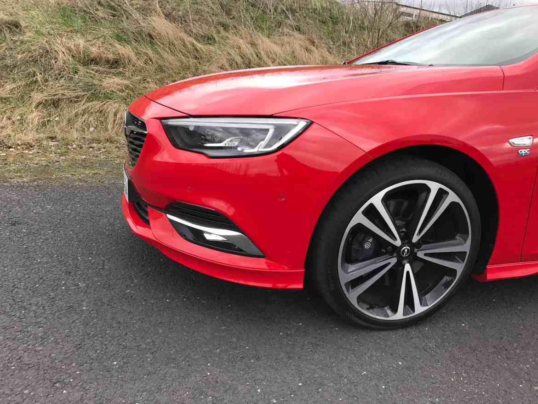 Opel Insignia Grand Sport - Limousine mit großer Klappe