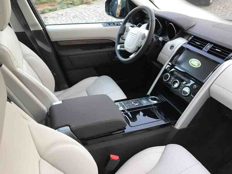 Land Rover Discovery Cockpit