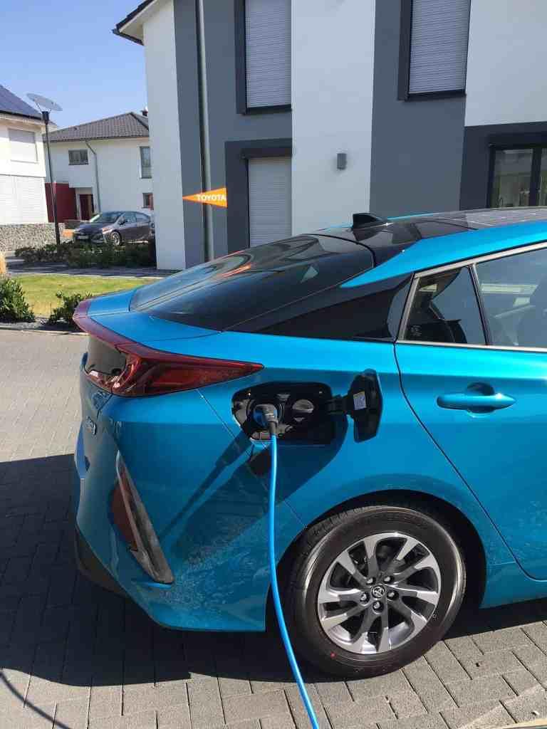 Toyota gibt Hybrid-Patente frei