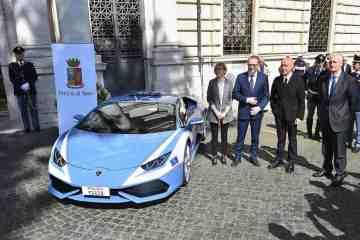 Mit Lamborghini auf Verbrecherjagd