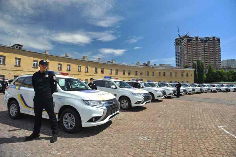 Mitsubishi Plug-in Hybrid Outlander für ukrainische Polizei
