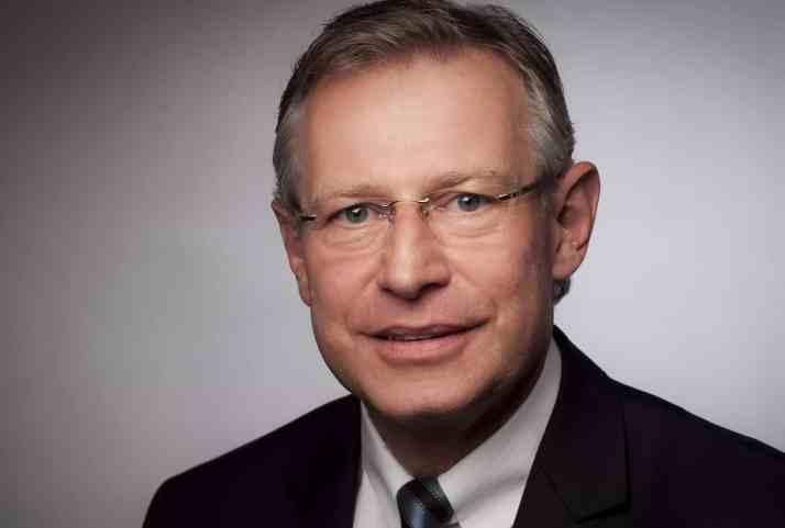 Dr. Karl Krause