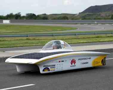 Mit dem Solarauto durchs Outback