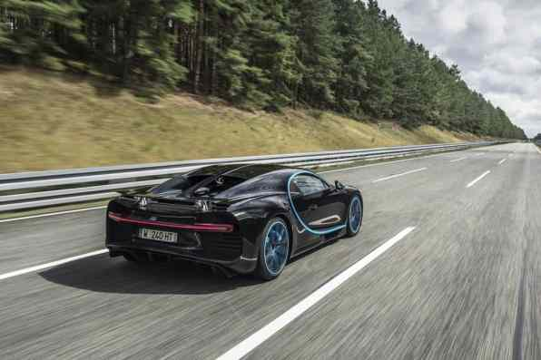 Weltrekord: Ein BugattiChiron ist in 42 Sekunden von null auf 400 km/h und wieder zum Stillstnd gekommen.