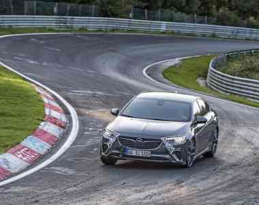 Opel Insignia GSi bis zu zwölf Sekunden schneller