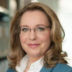 mid Groß-Gerau - Der Verkehrssektor hat bisher keinen Beitrag zur Senkung der Treibhausgasemissionen geleistet, sagt Prof. Dr. Claudia Kemfert, Energie-Ökonomin und Gutachterin im SRU.  © Oliver Betke