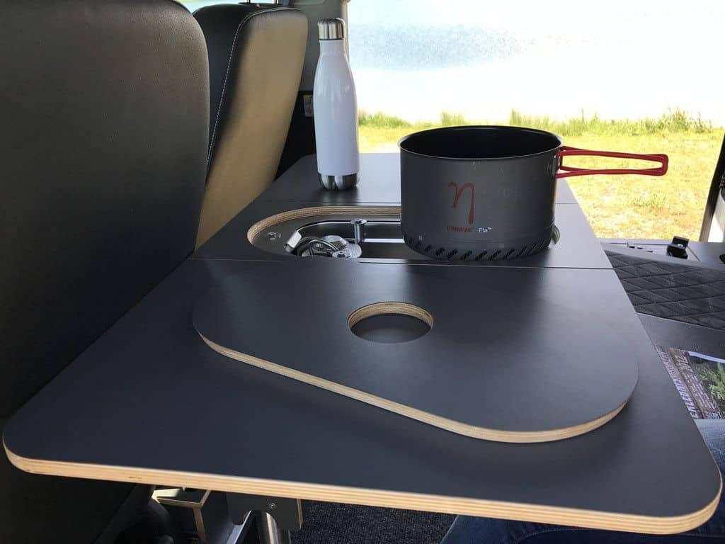 Spacecamper Light Open: Der Reise-Bus