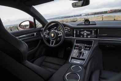 Porsche Panamera Turbo S E-Hybrid Sport Turismo.