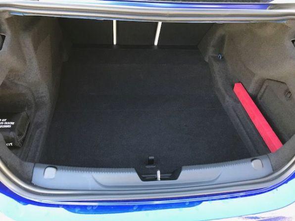 Jaguar XE, Kofferraum