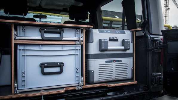 """Jeep Wrangler mit Ausbau """"Traveller"""" von Red Rock Adventures."""