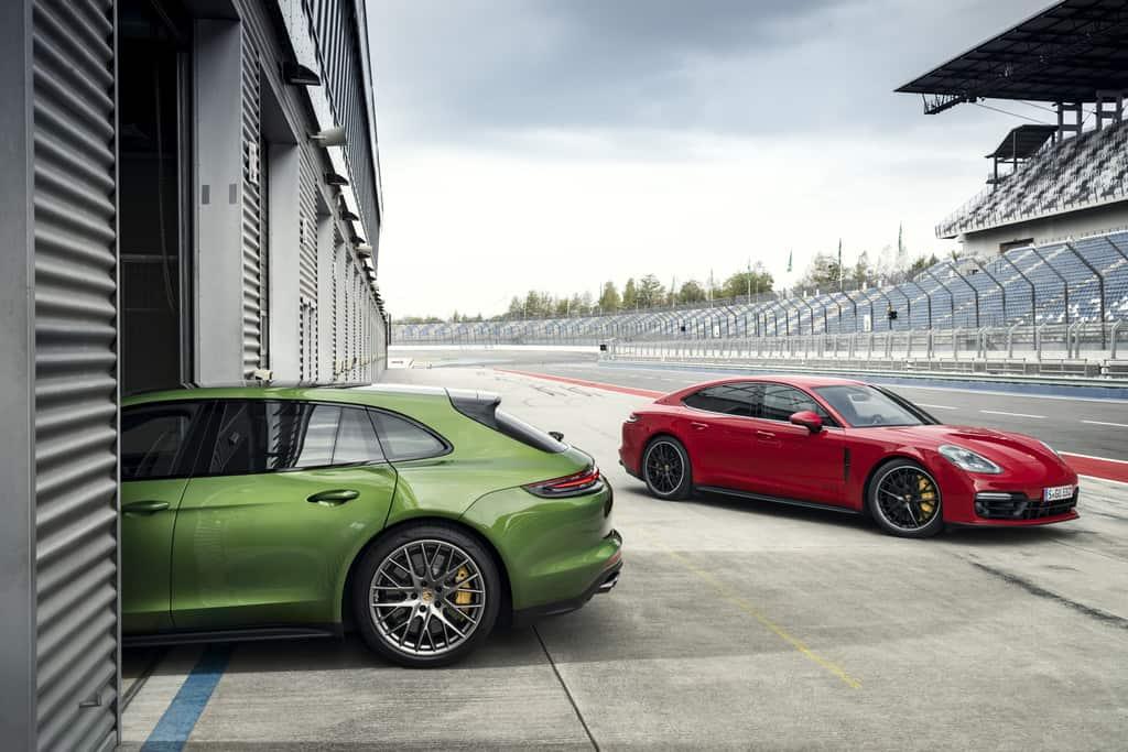 Porsche Panamera GTS und GTS Sport Turismo (l.).