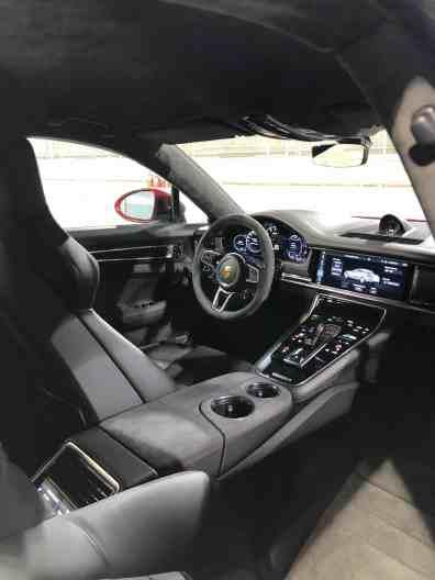 Porsche Panamera GTS vs. GTS Sport Turismo   Fahrbericht in Bahrain
