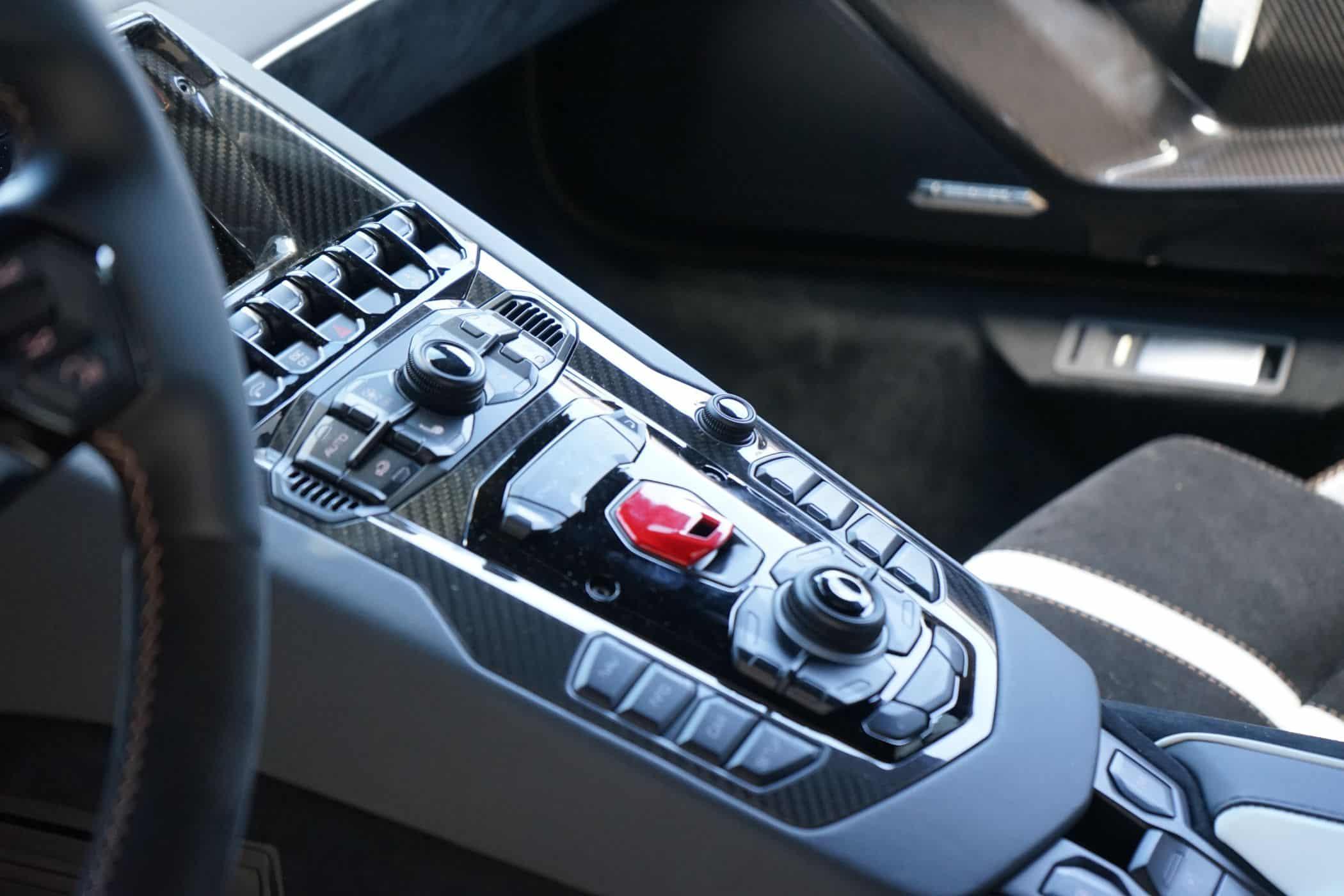 Lamborghini Aventador SVJ -Ein halbes Pferd je Kilogramm Auto