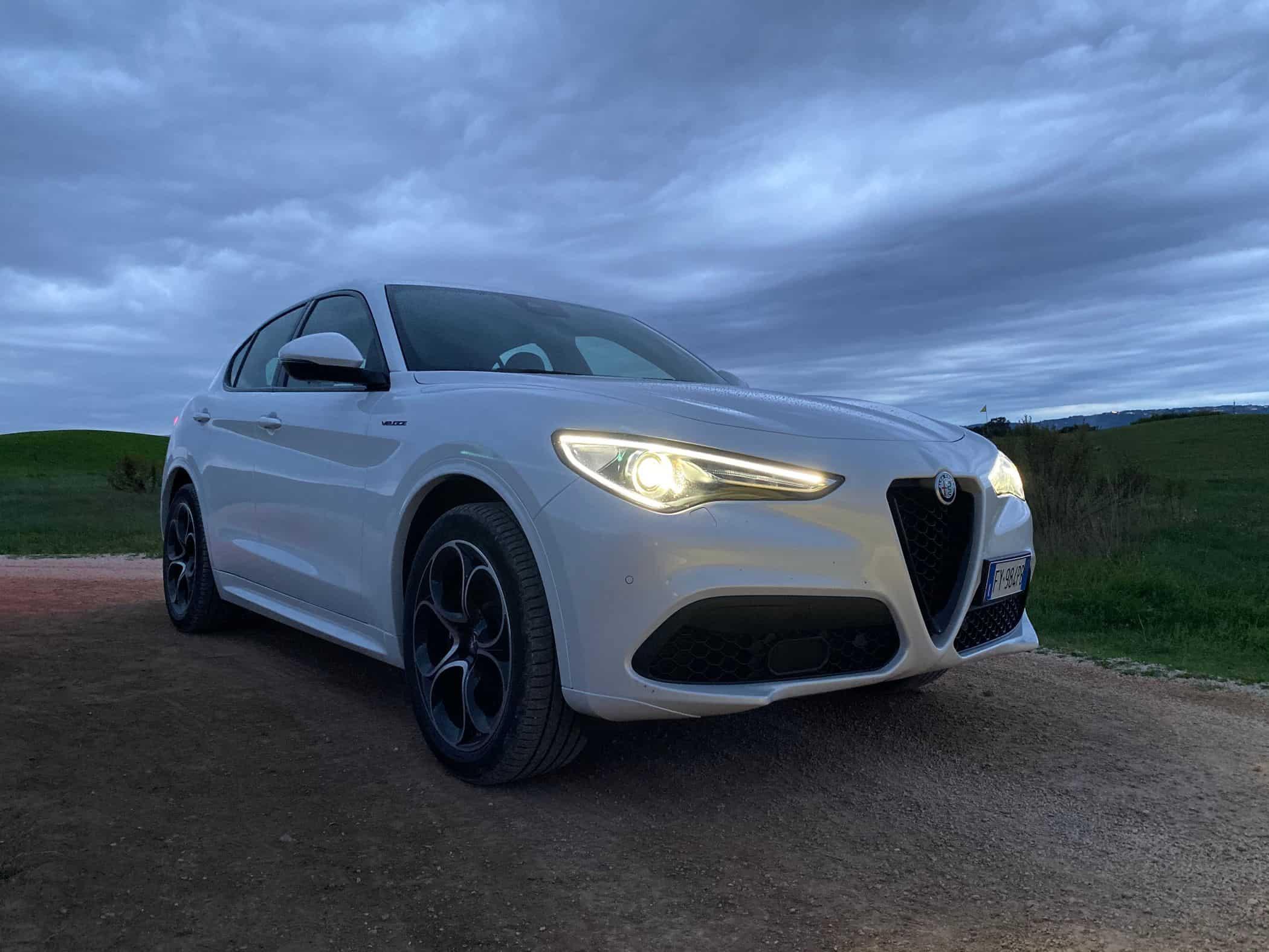 """Neuer Alfa Romeo Stelvio """"Veloce"""" (280 PS)"""