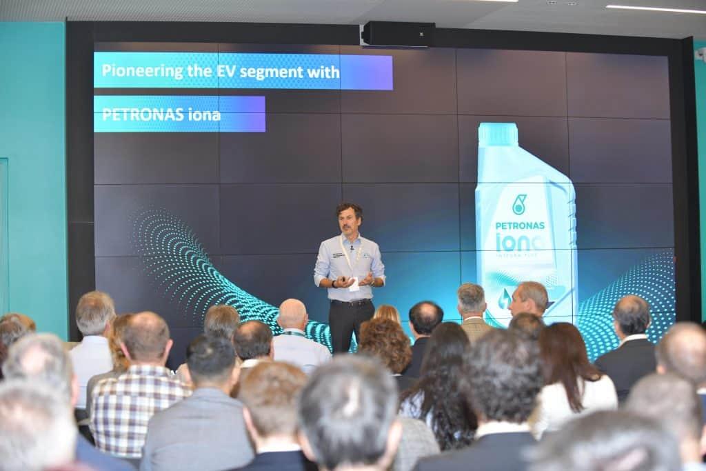 Petronas: Symposium für Elektrofahrzeuge in Turin