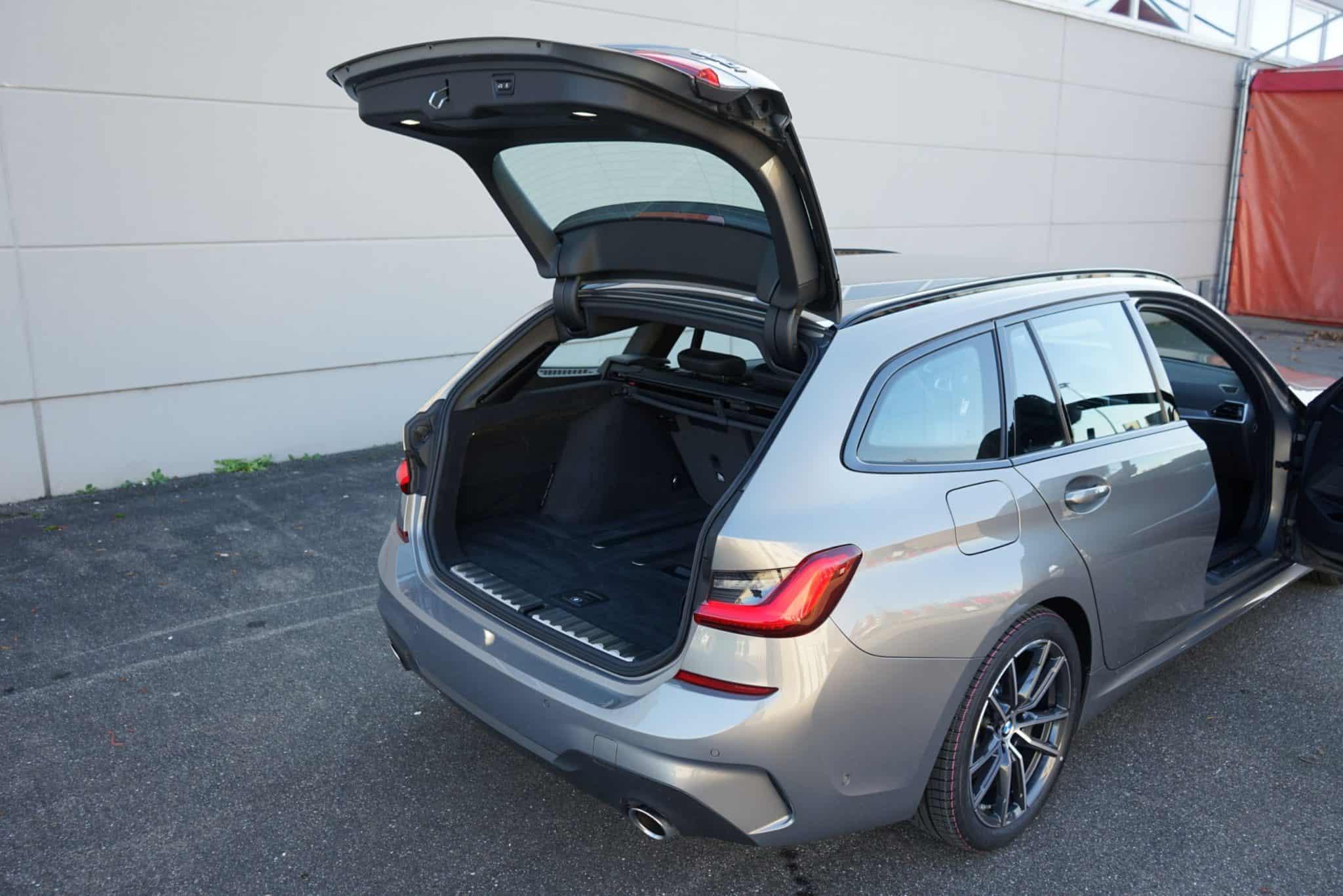 BMW 330i Touring, Heckklappe