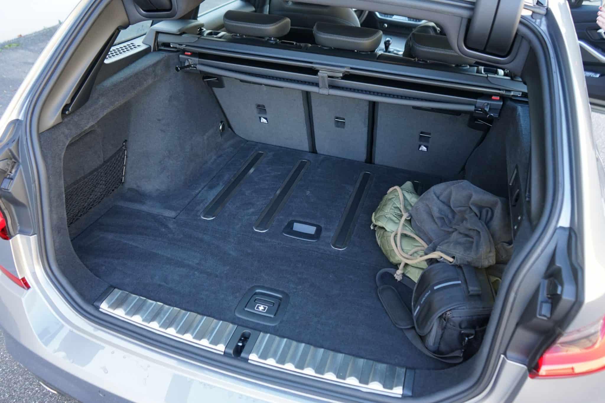 BMW 330i Touring, Kofferraum