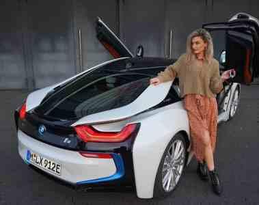 BMW i8 Coupé 2019, Nina Car Maria