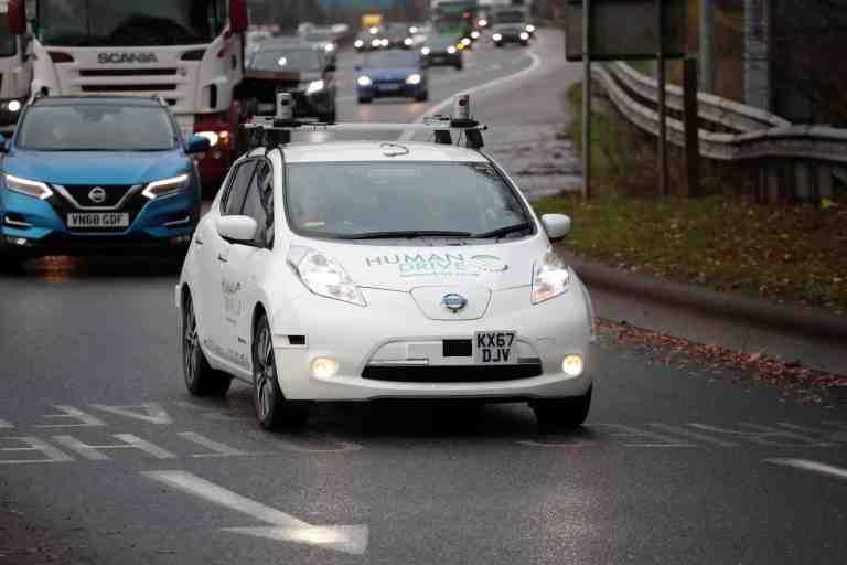 Ein Nissan Leaf fährt 370 Kilometer autonom durch Großbritannien.