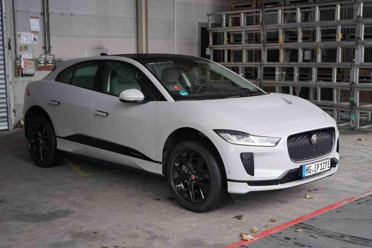 "Neuer Jaguar I-Pace EV400 AWD ""S"" (400 PS)"