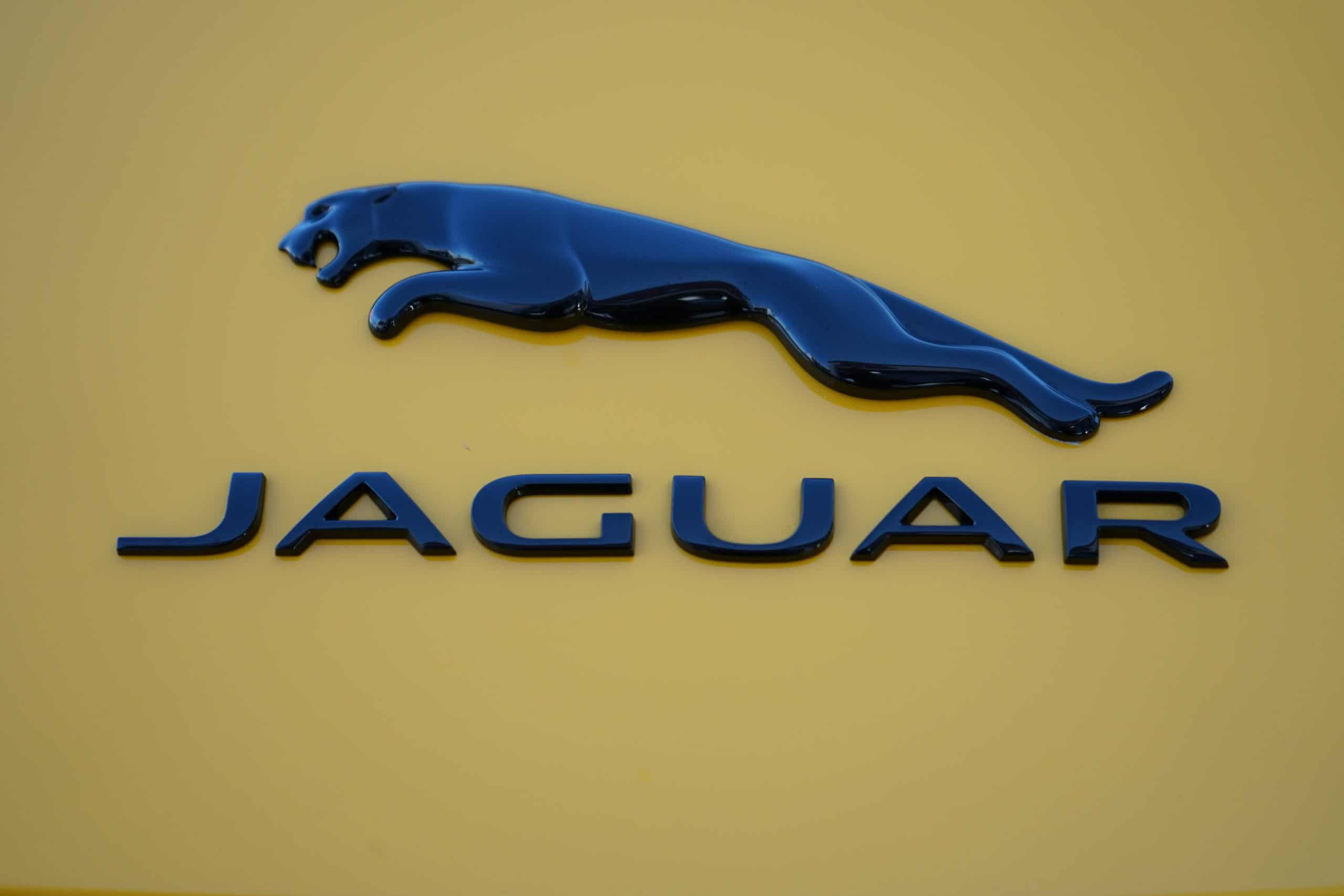 (MY2020) Jaguar F-Type R Coupé AWD