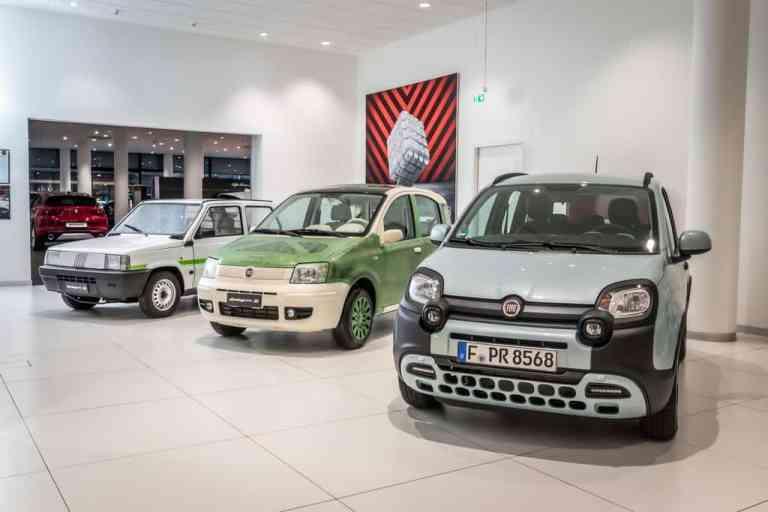 Fiat Panda (1980), Fiat Panda (2003) und Fiat Panda Hybrid (2019) im Motorvillage Frankfurt.
