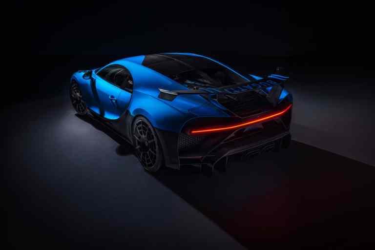 #Bugatti inszeniert den #Chiron #Pur #Sport online