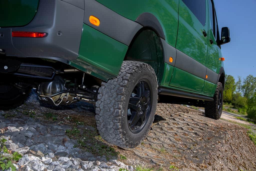 Mercedes-Benz Sprinter 4x4 mit Offroad-Upgrade von Vansports