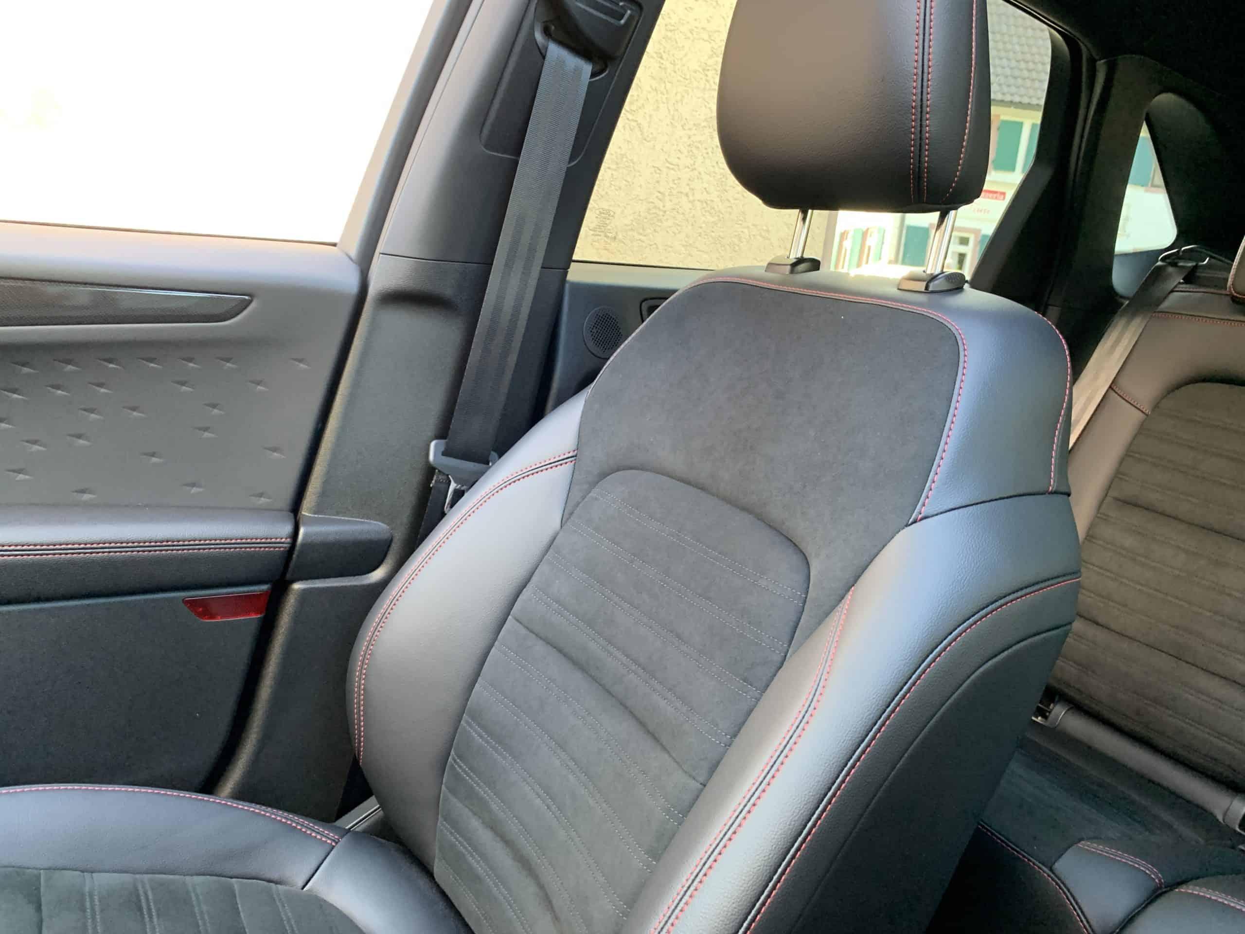 Ford Kuga mit Plug-in Hybrid-Antrieb (2020) -  Zukunftstauglichkeit eingebaut, Beifahrersitz