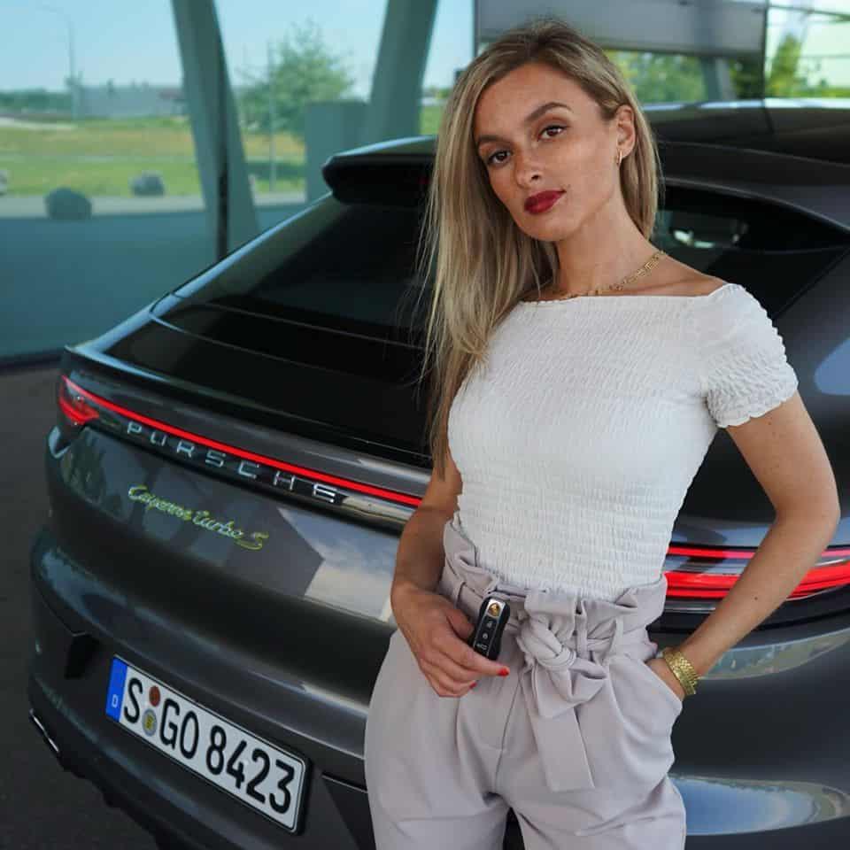 Porsche Cayenne Turbo S E-Hybrid Coupé (2020) - Hot or not? - Porsche Moment  POV I Review I Sound