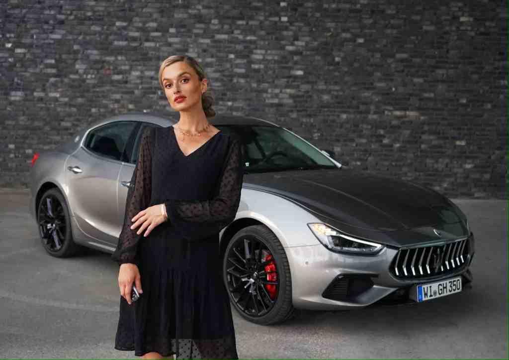 2020 Maserati Ghibli Gran Sport (350 PS) I Lohnt sich das Warten auf den Ghibli Hybrid? POV I Sound; NinaCarMaria
