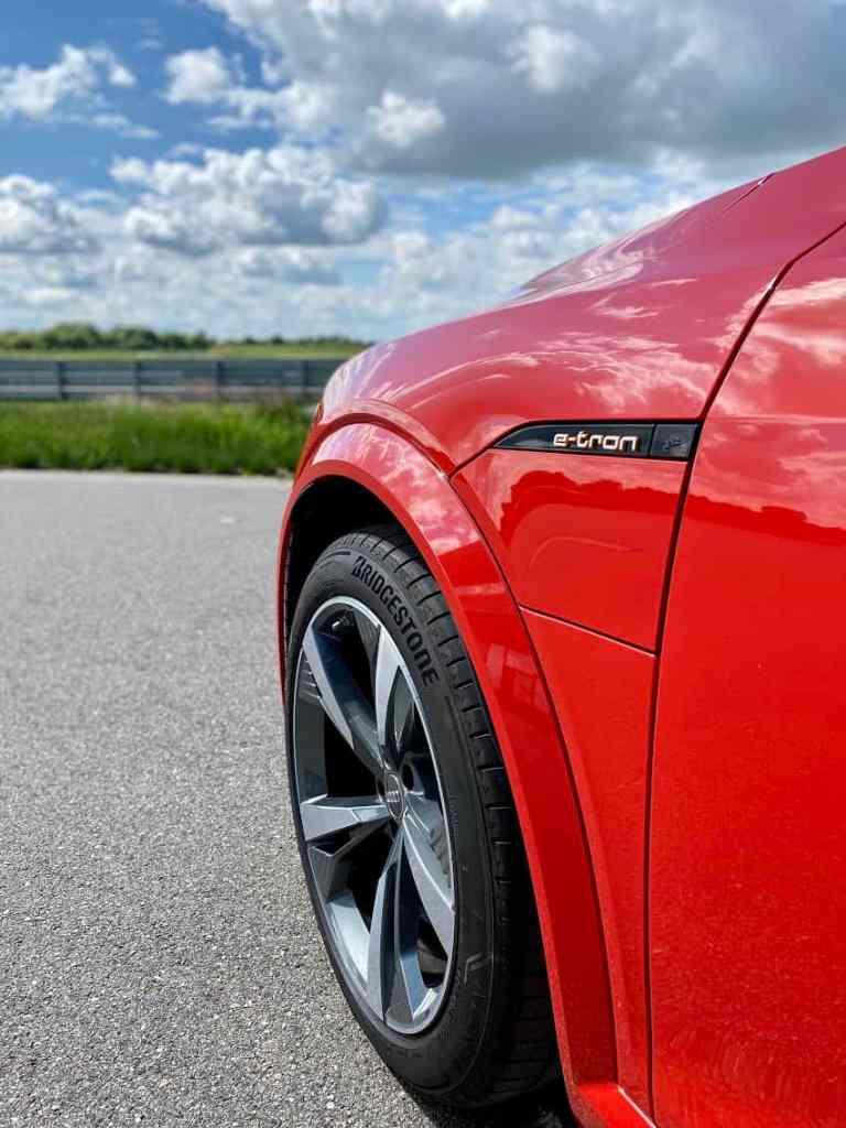 2020 Audi e-tron S Sportback (503 PS) - Drei Motoren für ein Halleluja? - Fahrbericht | Review | Test
