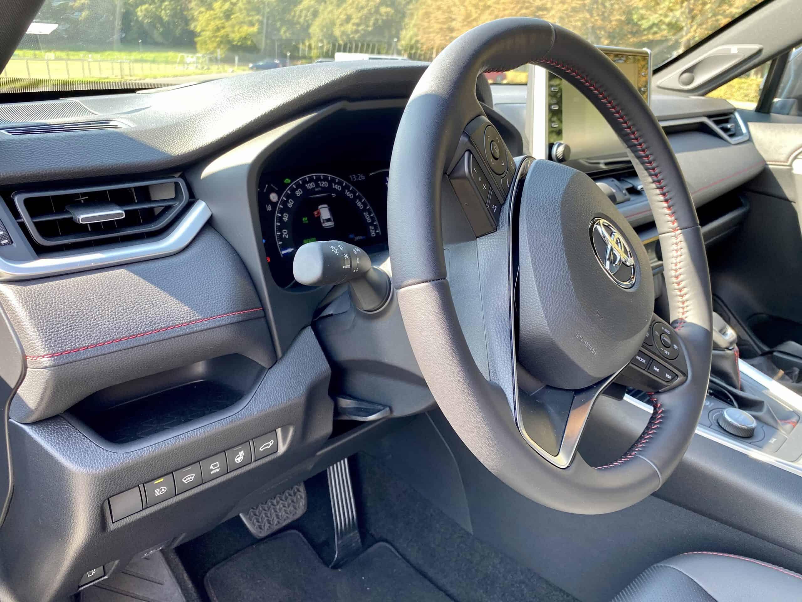 Neuer Toyota RAV4 Plug-in Hybrid - Sparsames SUV mit 306 PS - Geht das?