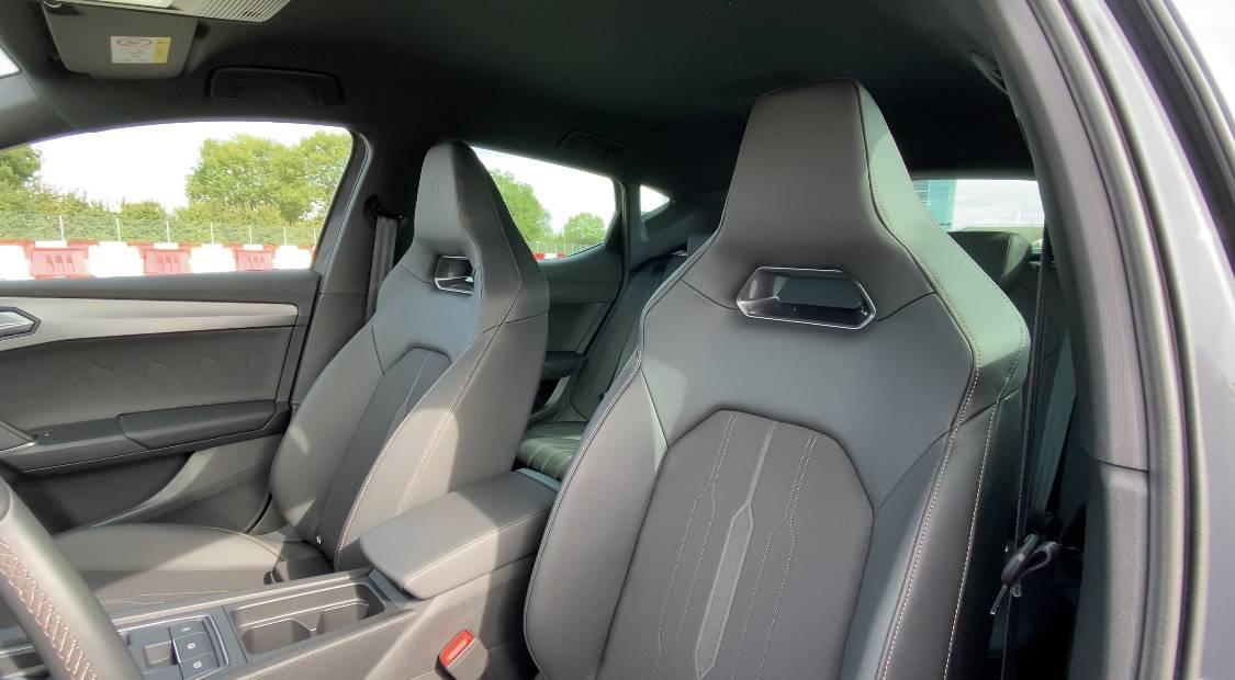 Cupra Leon e-Hybrid (245 PS), Sitze