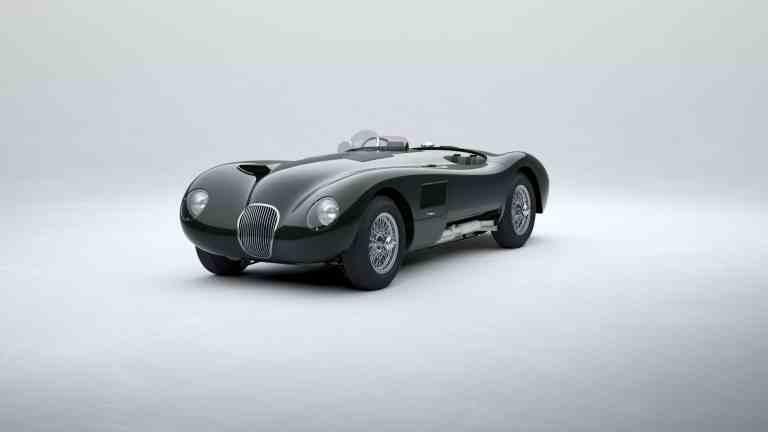 #Jaguar C-Type bei der Zieldurchfahrt in Le #Mans 1953.