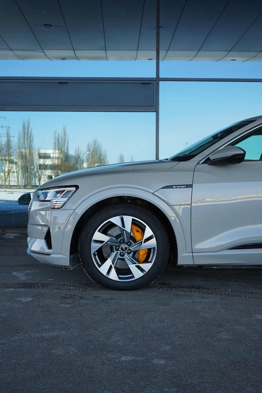 (2021) Audi e-tron Advanced 55