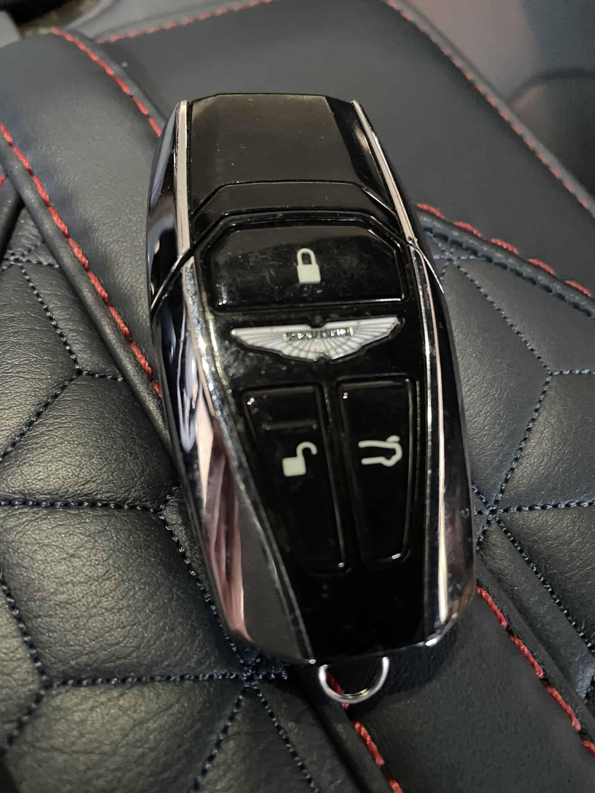 Aston Martin DBS Superleggera (2021) , schlüssel
