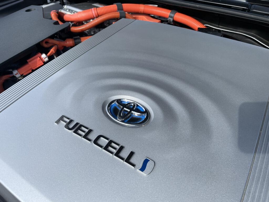 Toyota Mirai mit H2-Antrieb