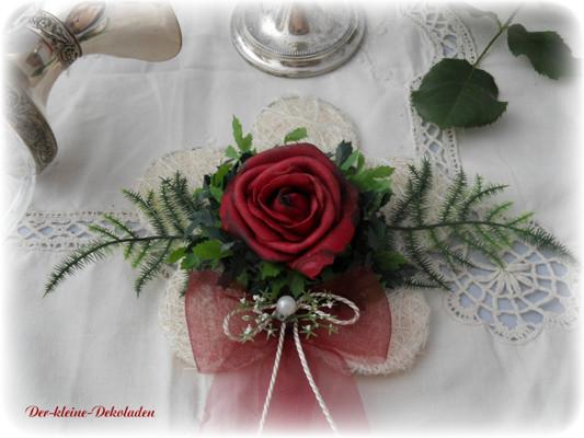 Tischdekoration bordeaux Hochzeit Kommunion