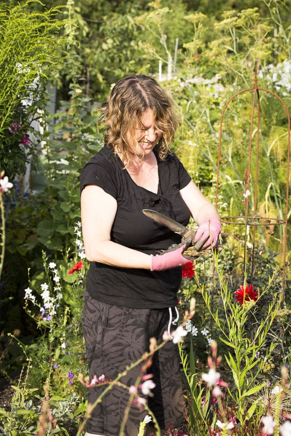 Anja im Garten