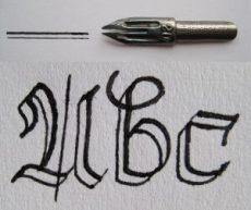Doppelstrichfeder mit Strich und Schriftbeispiel