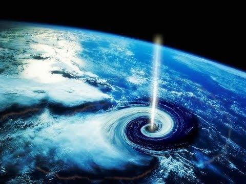 Einschlag eines primordialen Schwarzen Lochs