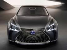 Lexus zeigt Concept Car LF-CF in Tokyo