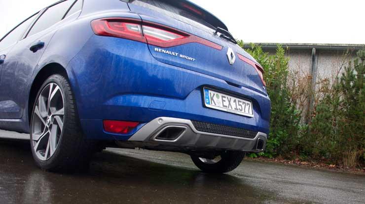 Renault-Megane-GT-2016-schraeg-von-hinten