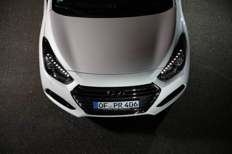 i40-Kombi-front-oben