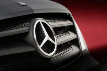 Der markante Kühler beim neuen Mercedes Sprinter fällt sofort ins Auge