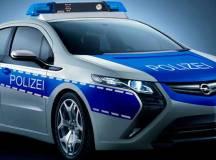 Berliner Polizei unter Strom