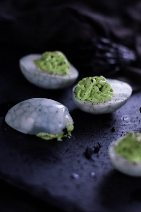 rezept-spinneneer-halloween-russische-eier-gruen-wasabi-ei-gruselig-11