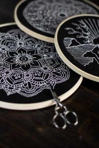 sticken-embroyding-stitching-schwarz-weiss-black-white-mandala-adventure-nature-blackwork-12